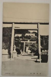 西神社(左)と浦河神社(右)