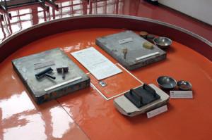 今金中学校内での展示① 印刷工程に関するもの