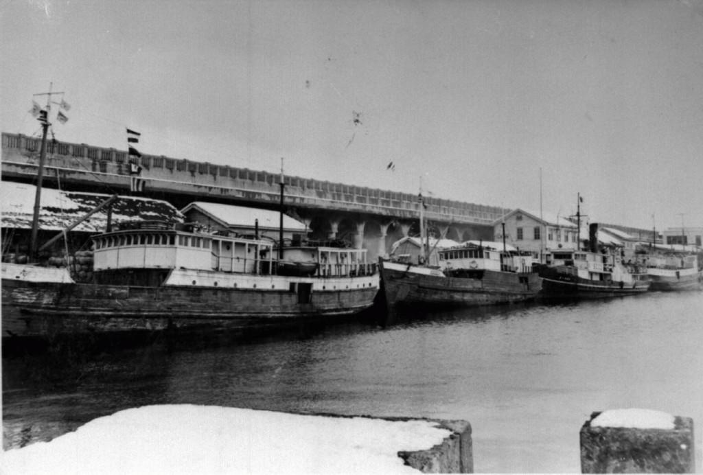 稚内船着場と北防波堤ドーム(昭和24年頃)