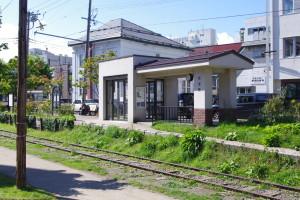 2011年に復元された現在の色内駅