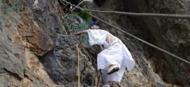 断崖絶壁の上に建つ神社【コラムリレー第38回】